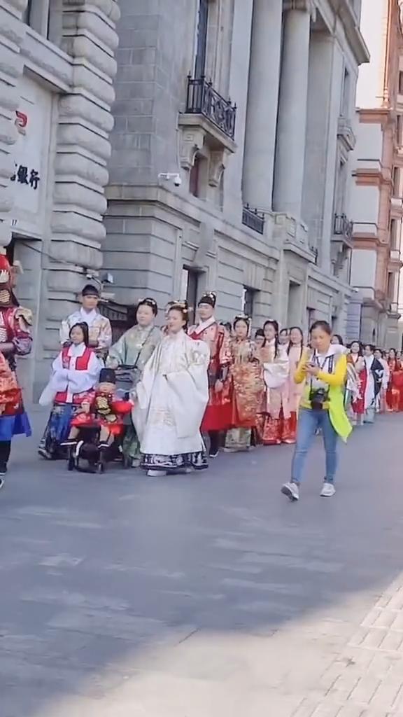 2019汉服节上海外滩汉服巡游